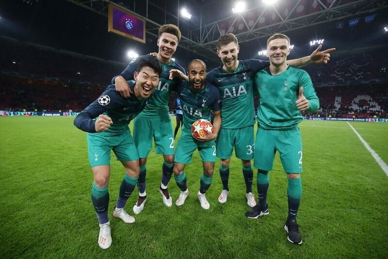 https___kr.hypebeast.com_files_2019_05_tottenham-hotspur-ajax-amsterdam-liverpool-barcelona-uefa-champions-league-final-2019-ft-1.jpg